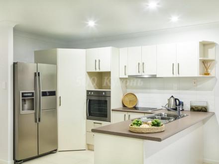 Кухня МДФ Белая глянцевая П-22